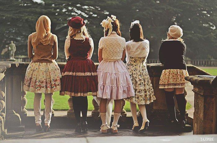 lolita girls behind