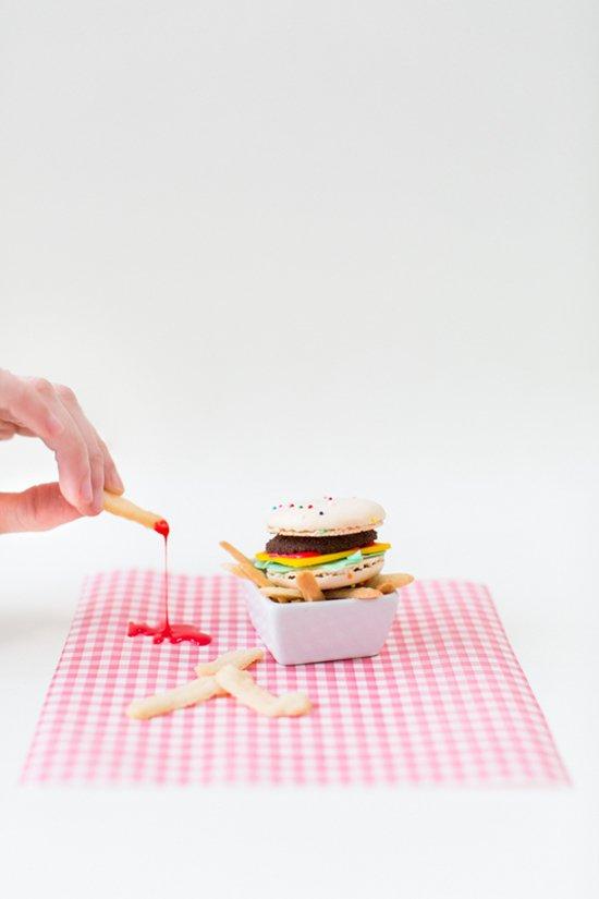 macaron-burgers-ketchup