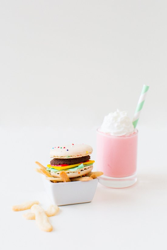macaron-burgers-milkshake