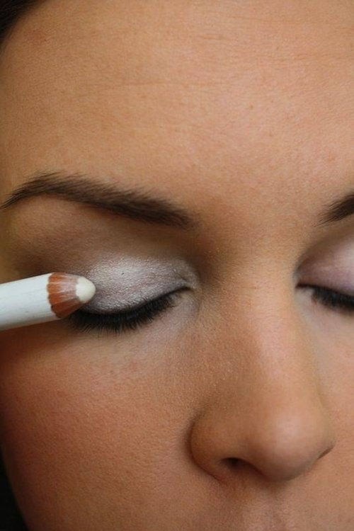 white-eyeshadow