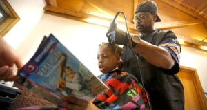 Barber Offers Free Haircuts For Kids Wholl Read To Him