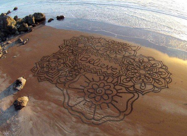 andres-amador-beach-art-believe