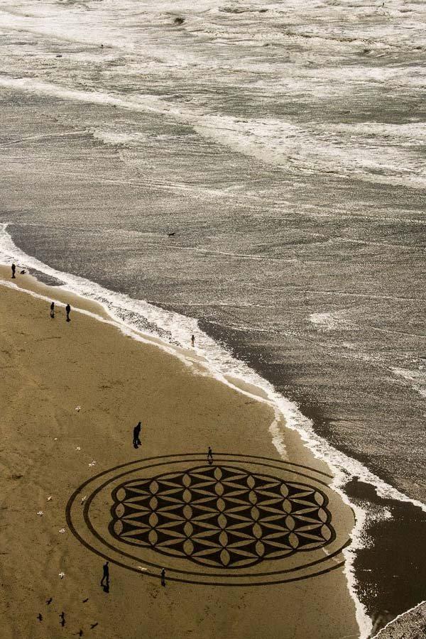 andres-amador-beach-art-circle