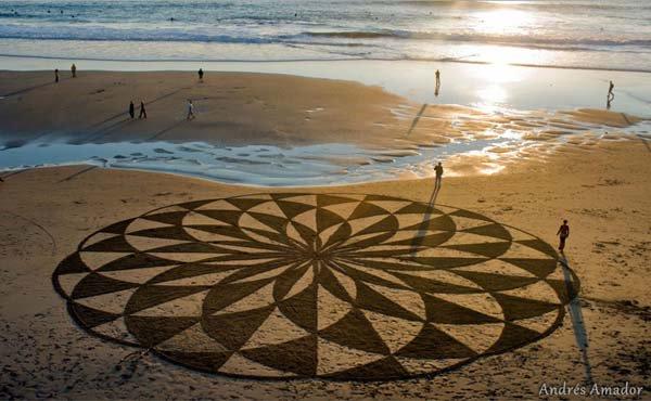 andres-amador-beach-art-design