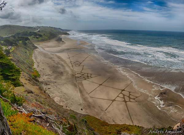 andres-amador-beach-art-lines