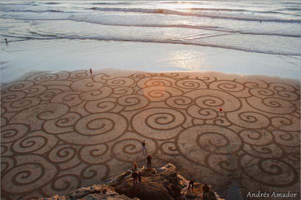 andres-amador-beach-art-swirls