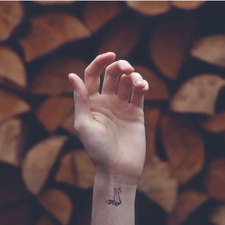 austin-tott-tiny-tattoos-fox