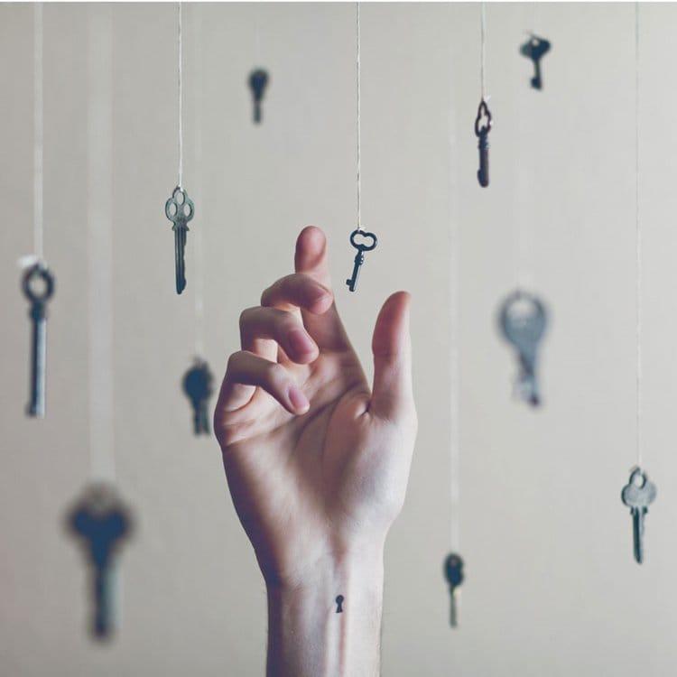 austin-tott-tiny-tattoos-lock