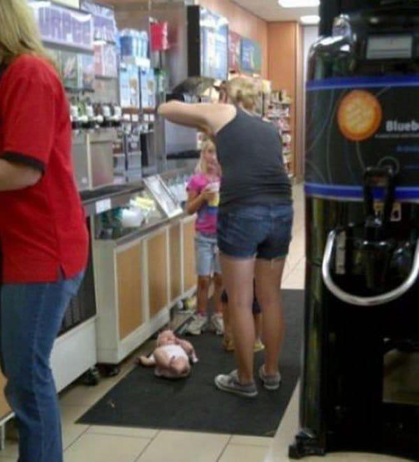 baby floor fast food restaurant