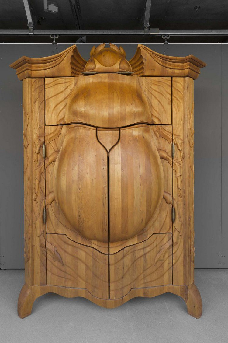 beetle cabinet face on
