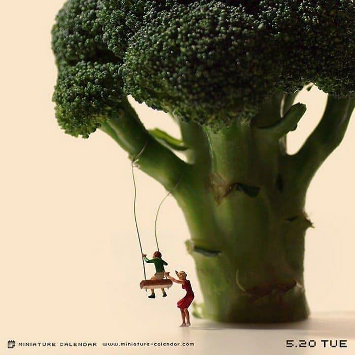 broccoli mini tree swing