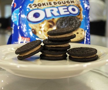 cookie dough oreo