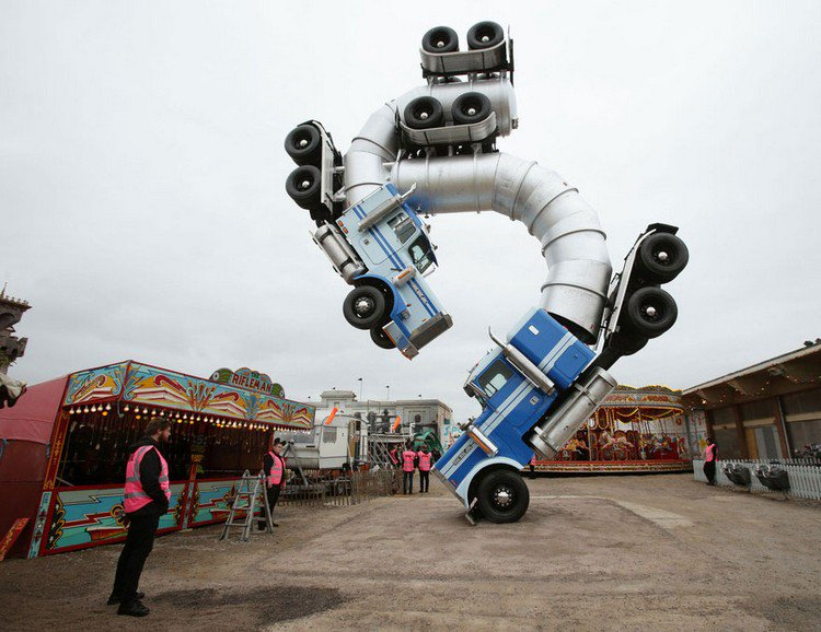 dismaland vehicle sculpture