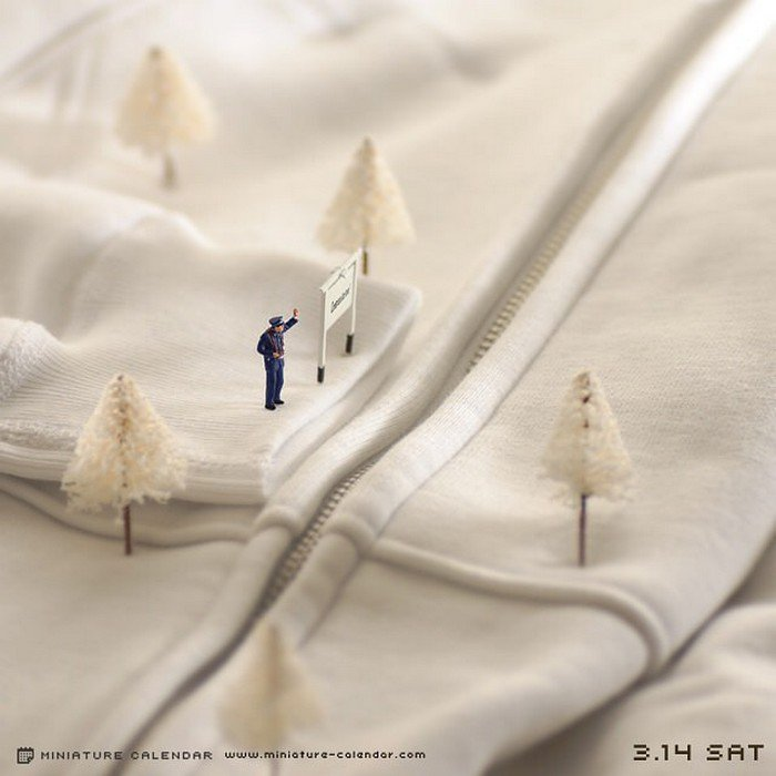 garment mini snow figures