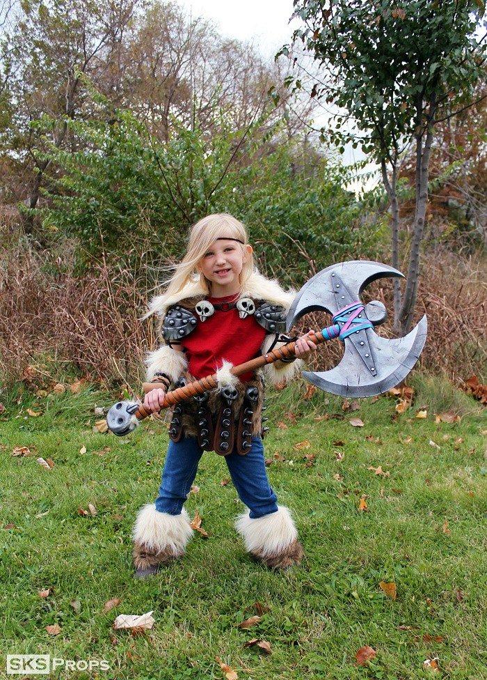 girl costume ax