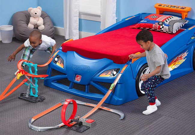 hot wheels bed kids playing