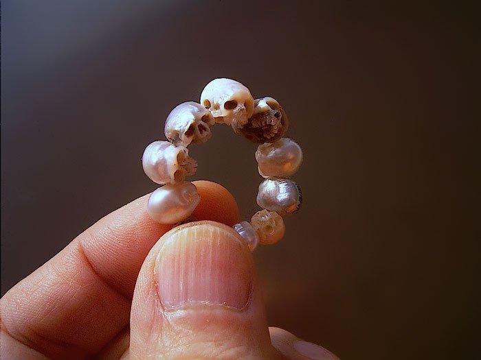 ring of skull pearls