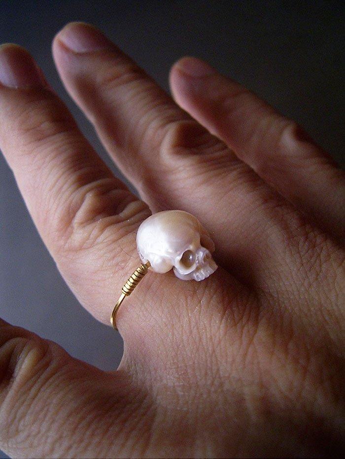 skull pearl gold ring