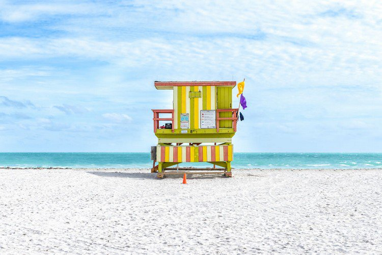 Colored Liuard Cabins In Miami
