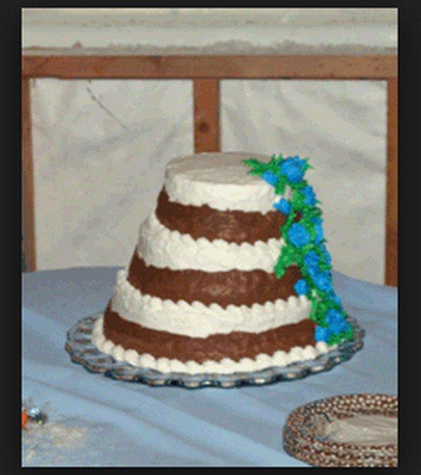 weird blue flower cake