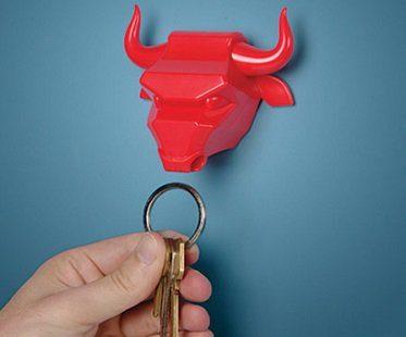 Bull Nose Magnetic Key Holder red