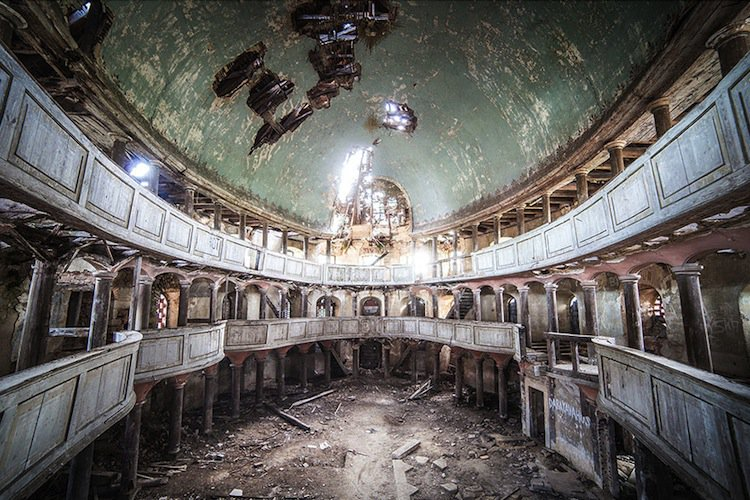 abandoned-green