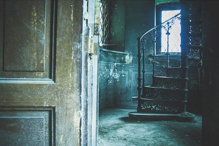 abandoned-stairs