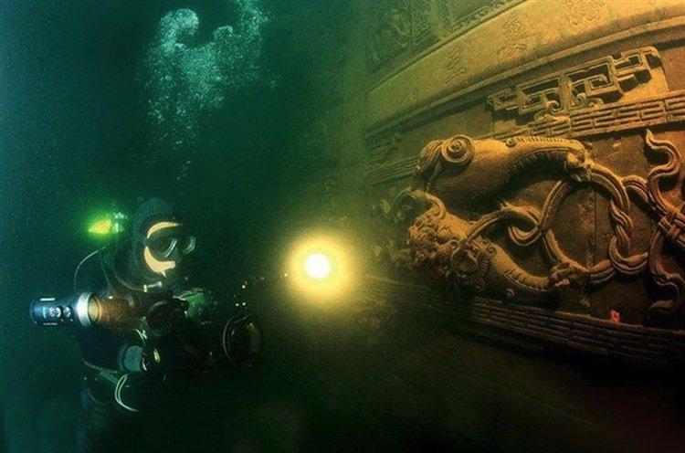 atlantis-diver