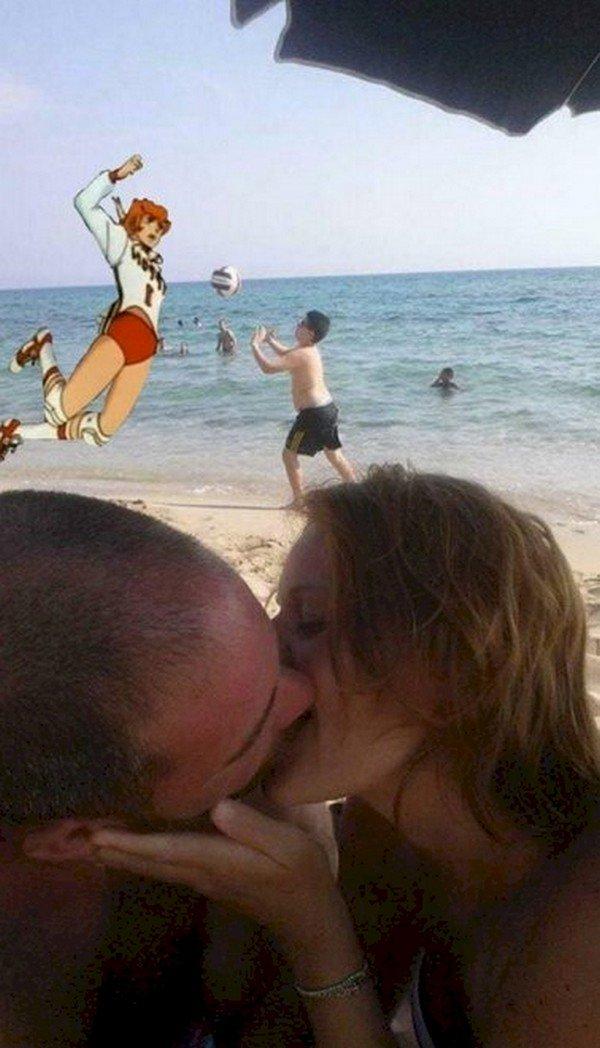 couple kissing boy figure ball