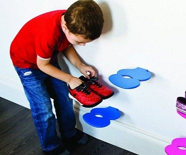 footprint shoe shelf