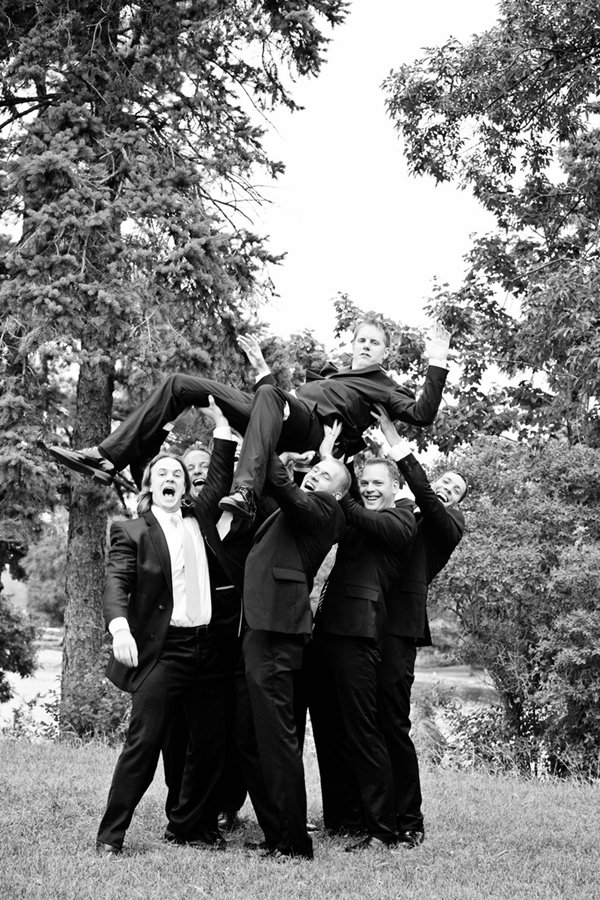 groom-photos-hoist