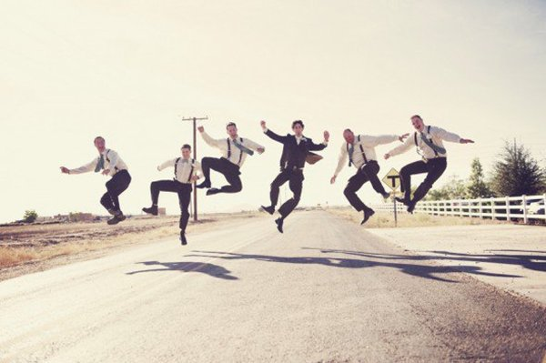 groom-photos-jump