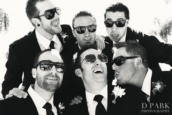 groom-photos-shades