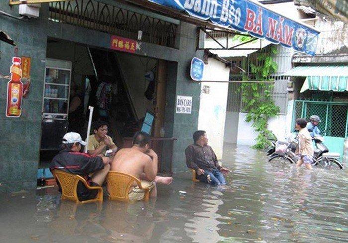 guys chairs flood