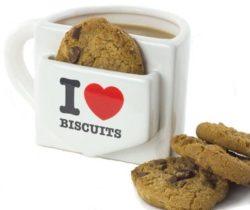i heart biscuits mug with pocket
