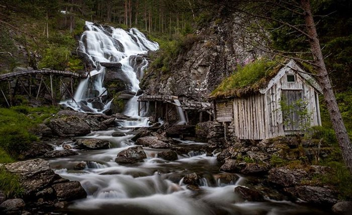 incredible-norway-photos-waterfall