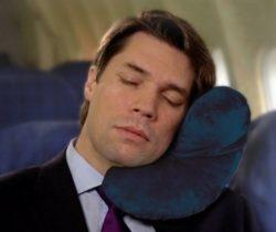 j-shaped travel pillow