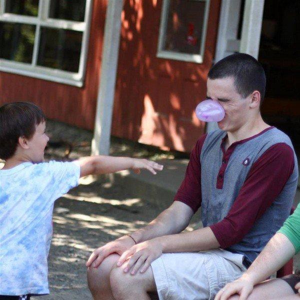 kid pops bubblegum face