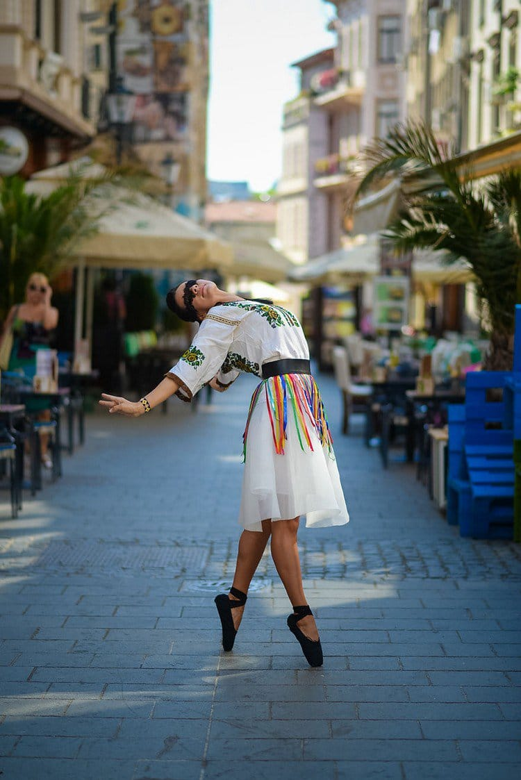 romanian ballerina street cafe
