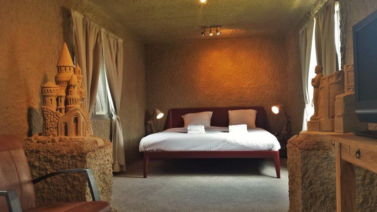 sand hotel bedroom