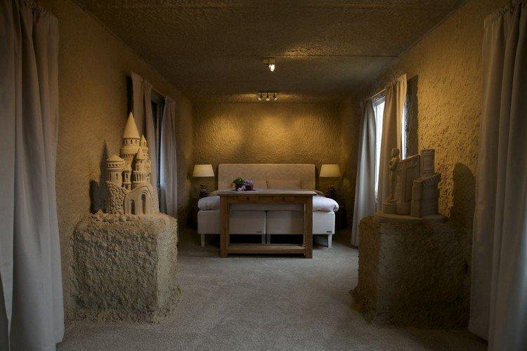 sand hotel room