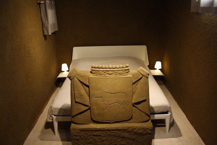 sand hotel sculpture