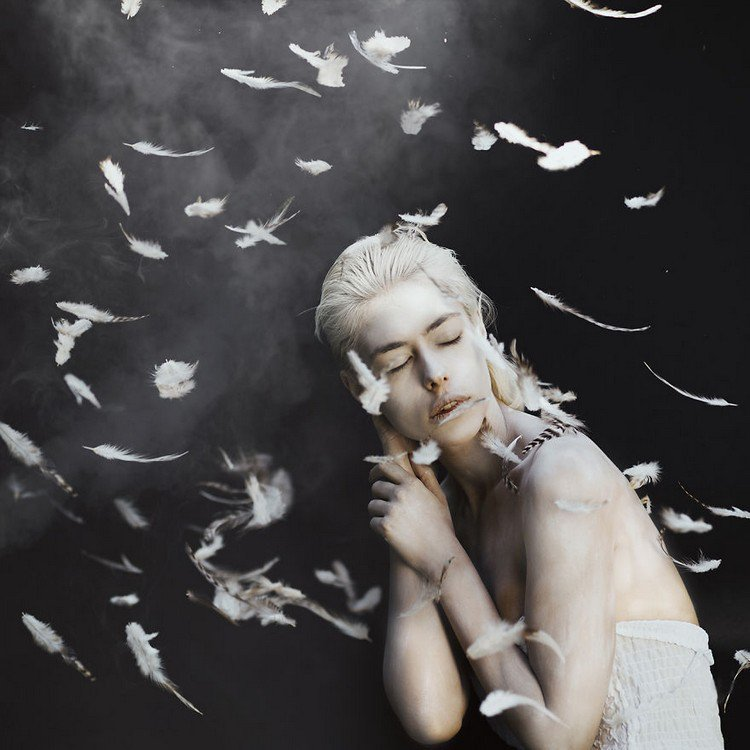 smoke feathers girl