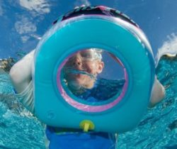 snorkelling window pool float