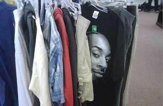 t shirt face popping out on clothing rail