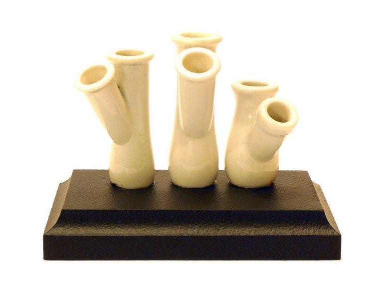 white pipe pencil stand