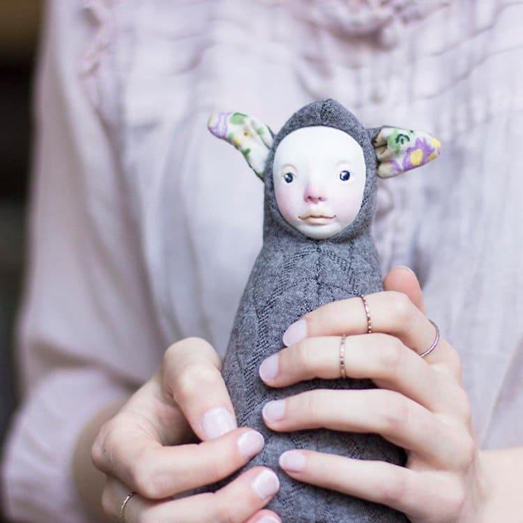 adele-po-dolls-nose