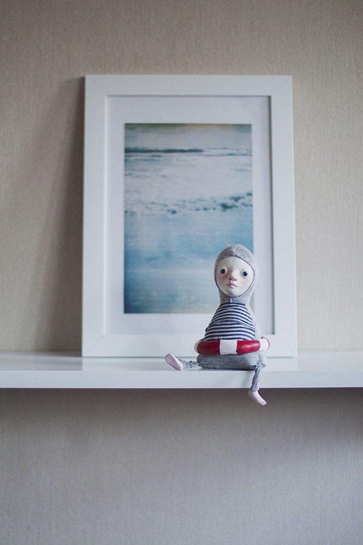 adele-po-dolls-shelf