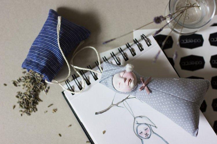 adele-po-dolls-sleep