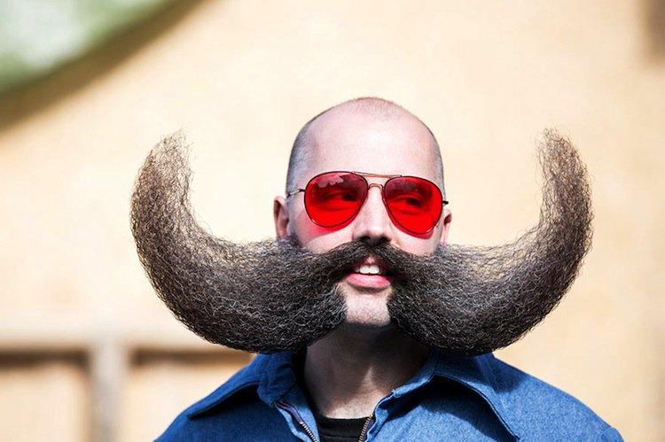 beard-tache